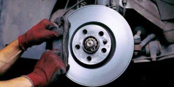 Замена тормозных дисков на Шкода Карок, передние, задние